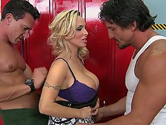 Grosse Hahn, Grosse Tits, Blondine, Blowjob