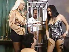 Bisexual, Mujer Vestida Hombre Desnudo, Dominación Femenina