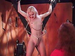 BDSM, Lesbién, MILF, Blonde