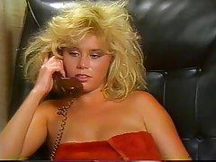 Blowjob, Gesichtsbehaarung, Gruppensex, Blondine
