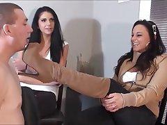 Cornudo, Dominación Femenina, Fetichismo de Pies, Masturbación