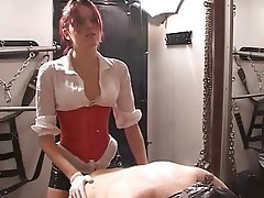 BDSM, Dominación Femenina, Pelirrojas, Arnés