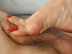 Femme dominatrice, Fétichisme des pieds