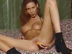Nenas, Masturbación, Pelirrojas